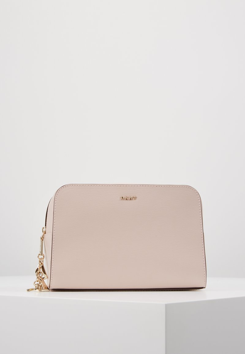 DKNY - COSMETIC - Wash bag - iconic blush