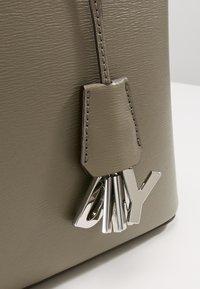 DKNY - SATCHEL - Käsilaukku - clay - 6