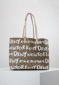 DKNY - BRAYDEN LARGE REVERSIBLE TOTE - Tote bag - rose - 0