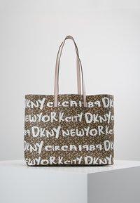 DKNY - BRAYDEN LARGE REVERSIBLE TOTE - Tote bag - rose - 2
