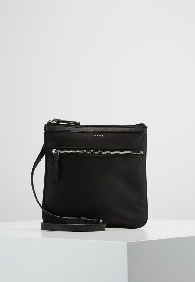 CASEY ZIP CROSSBODY - Olkalaukku - black