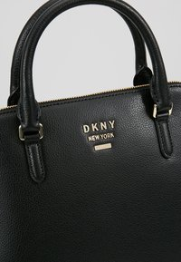 DKNY - WHITNEY LARGE DOME SATCHEL - Handtasche - black/gold - 6