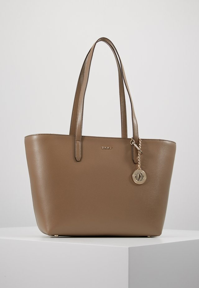 BRYANT TOTE - Håndtasker - dune