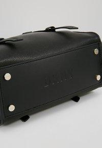 DKNY - WARREN  - Handtasche - black/gold-coloured - 5