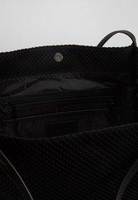 DKNY - EBONY TOTE - Handtasche - black - 4