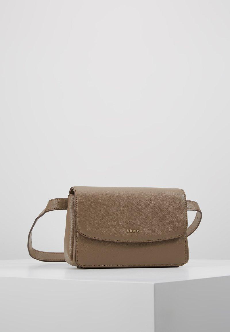 DKNY - ITEM BELT BAG - Bum bag - mushroom