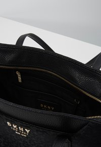 DKNY - NOHO EAST WEST TOTE LOGO - Handbag - black - 4