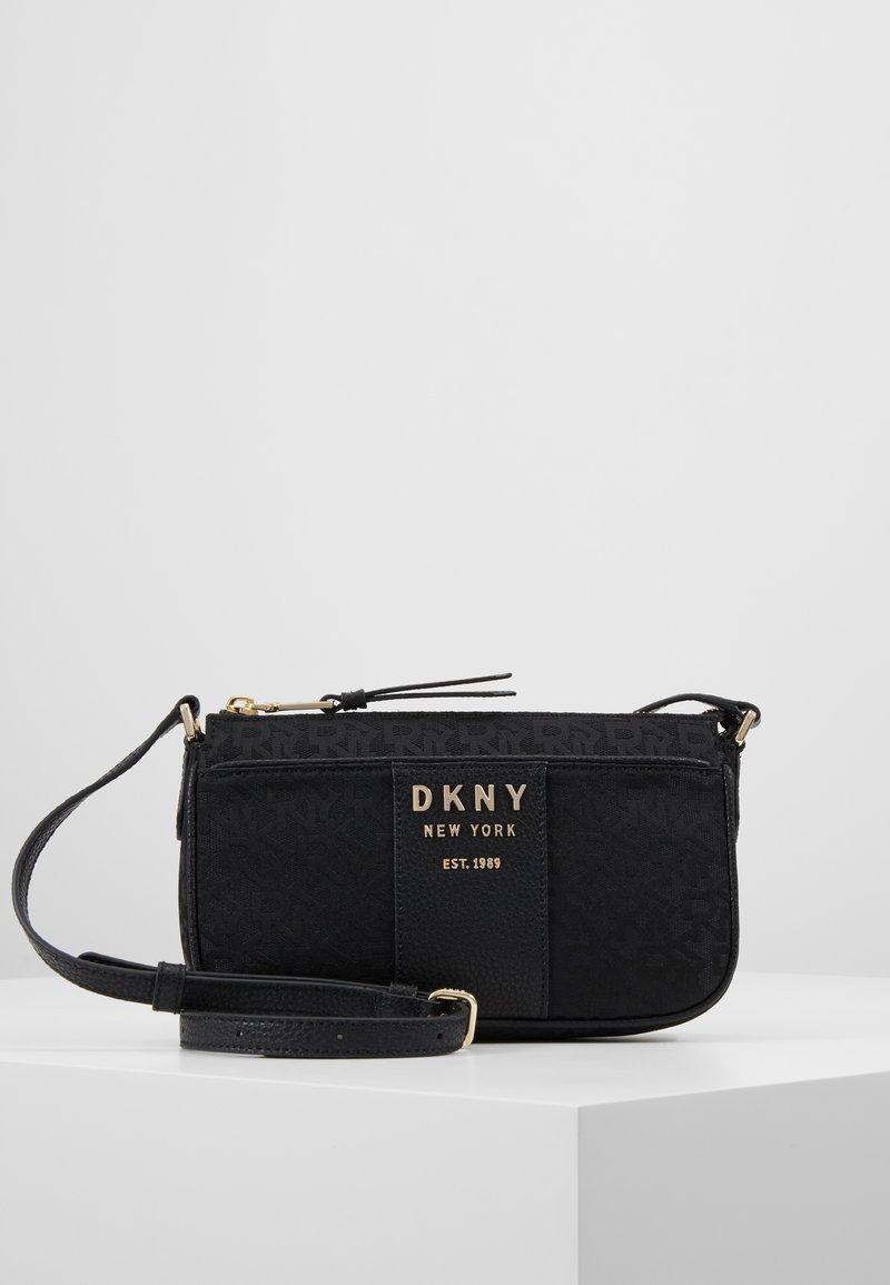 DKNY - NOHO DEMI CROSSBODY - Taška spříčným popruhem - black