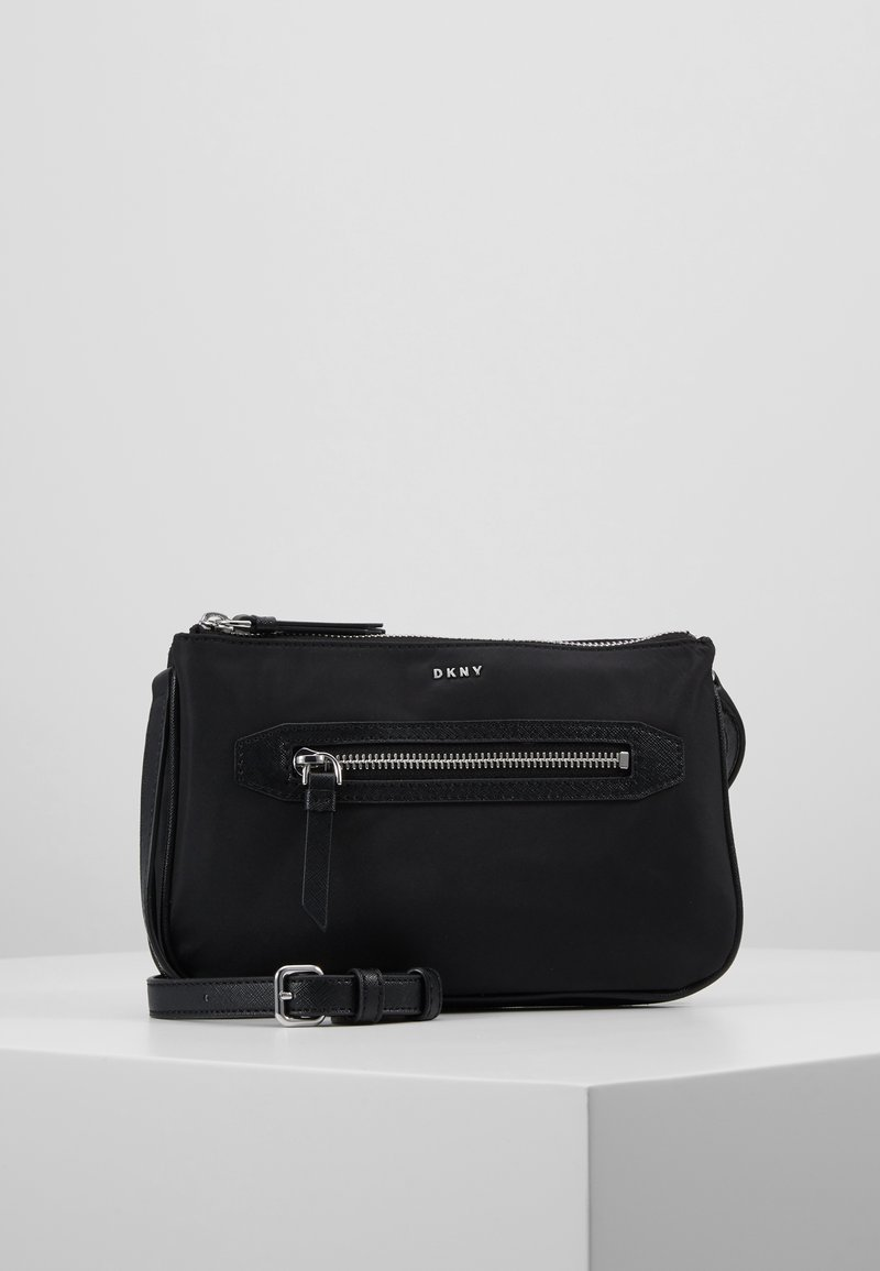 DKNY - CASEY DOUBLE ZIP CROSSBODY - Umhängetasche - black/silver