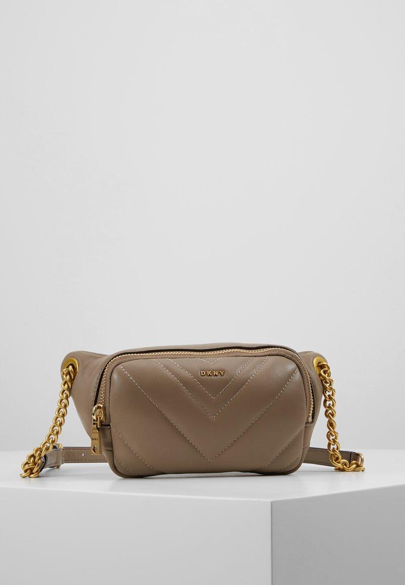 DKNY - VIVIAN BELT BAG - Bum bag - dune