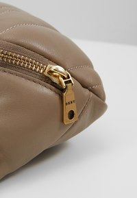 DKNY - VIVIAN BELT BAG - Bum bag - dune - 6