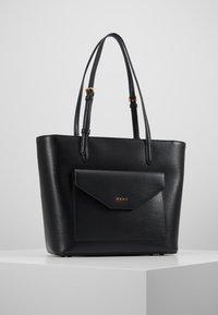 DKNY - ALEXA TOTE SUTTON - Tote bag - black/gold - 0