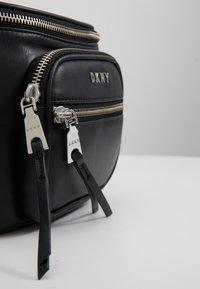 DKNY - ABBY  - Bum bag - black/silver - 6