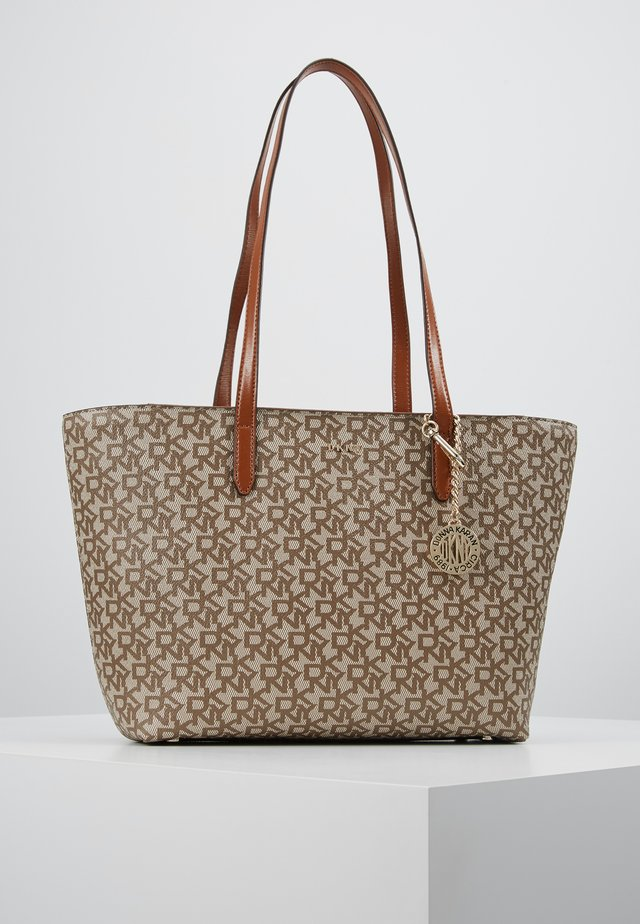 BRYANT MEDIUM TOTE LOGO - Handbag - chino/caramel