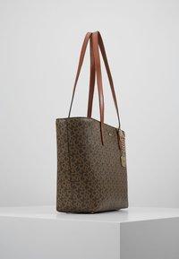 DKNY - BRYANT MEDIUM TOTE LOGO - Handbag - mocha /caramel - 3