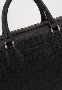 DKNY - NOHO MEDIUM SPEEDY SATCHEL - Handbag - black - 5