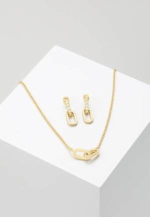 PAVE DOUBLE OVAL LINK PENDANT SET - Earrings - gold-coloured
