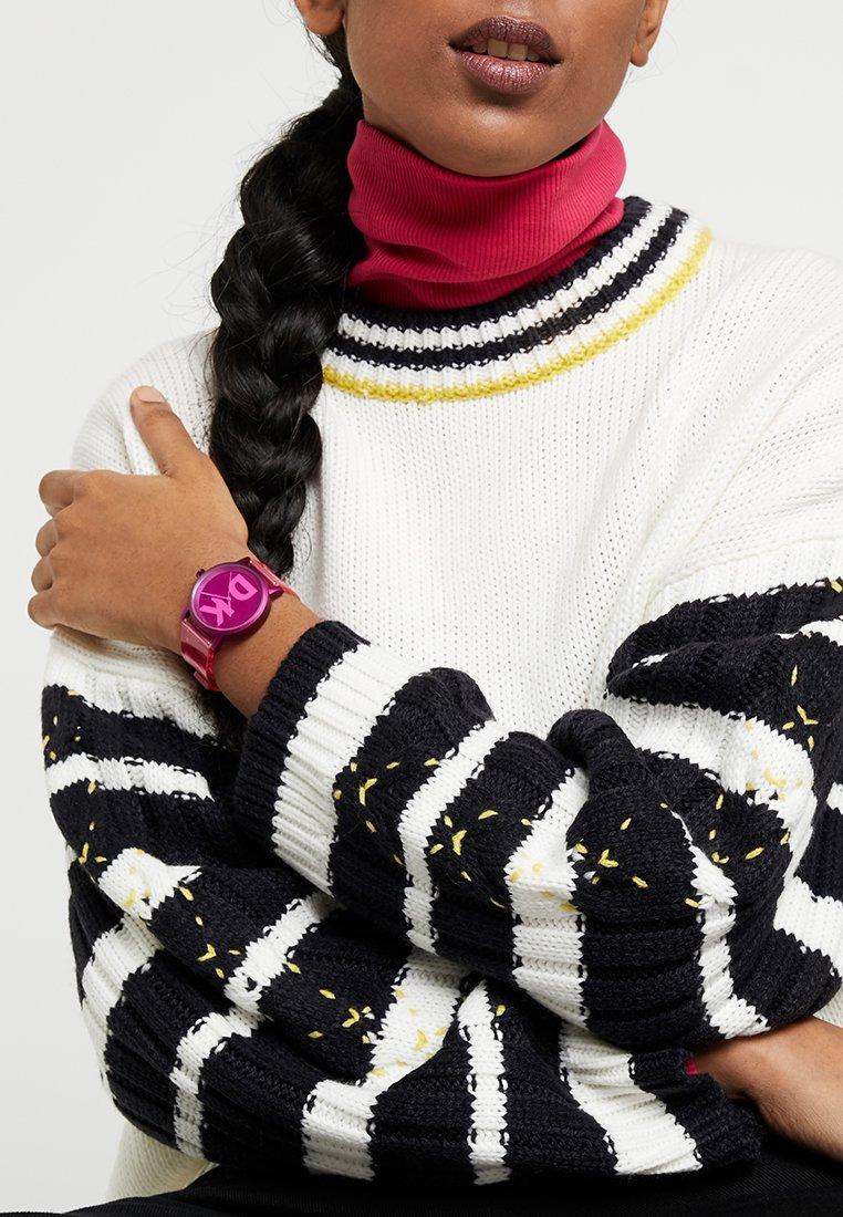 DKNY - SOHO - Hodinky - pink