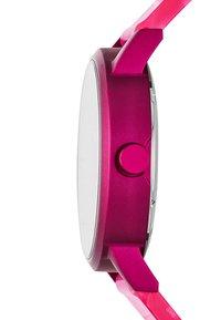 DKNY - SOHO - Klokke - pink - 3