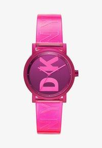 DKNY - SOHO - Klokke - pink - 1