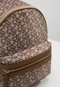 DKNY - CASEY MEDIUM BACKPACK - Reppu - nude - 6