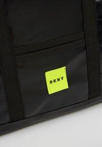 DKNY - Taška spříčným popruhem - schwarz - 2