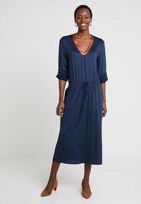 Delicatelove - VADA DRESS - Jersey dress - storm - 1