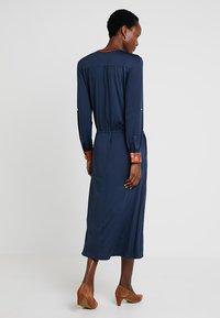 Delicatelove - VADA DRESS - Jersey dress - storm - 2