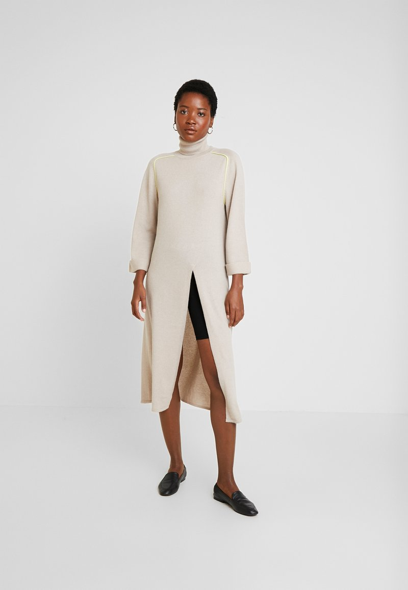 Delicatelove - COLEEN - Jumper dress - marzipan