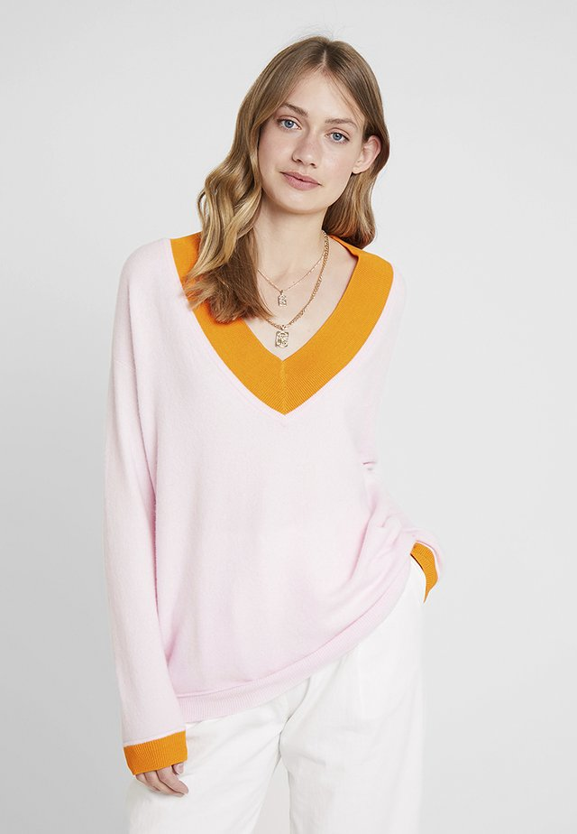 V NECK JUMPER - Sweter - blush/apricot