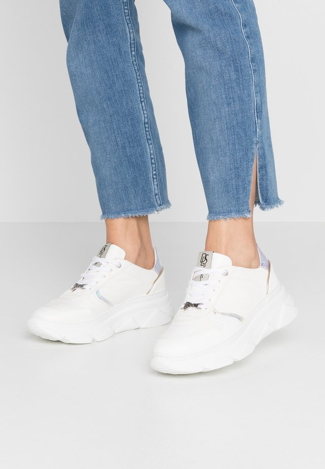 Sneakersy niskie - natur bianco