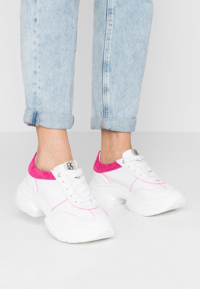 Sneakersy niskie - rosone/bianco/fuchsia