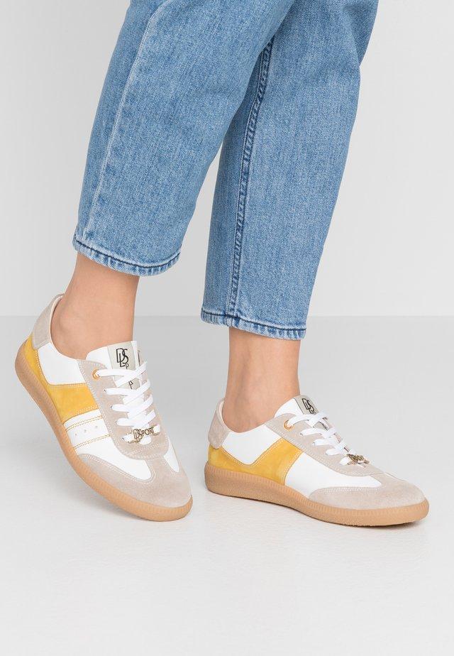 Sneakersy niskie - safran