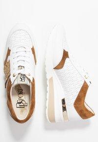 DL Sport - Sneakers basse - bianco/bark/trecia sabia - 3