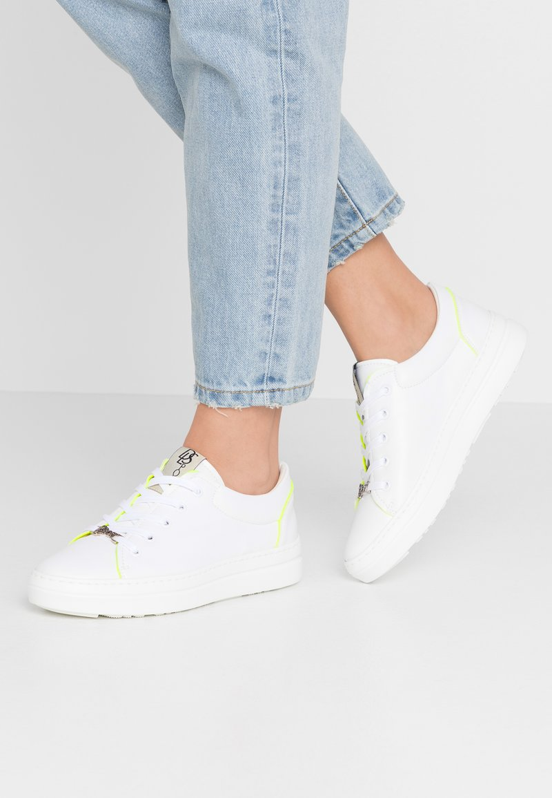 DL Sport - Trainers - bianco/giallo