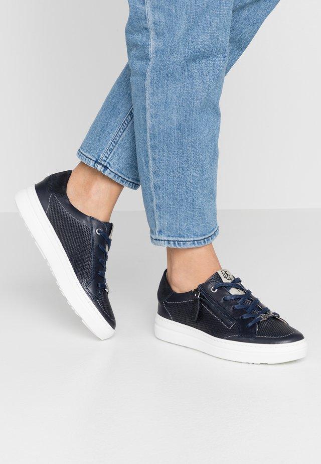 Sneakersy niskie - oceano/river
