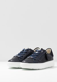 DL Sport - Trainers - oceano/river
