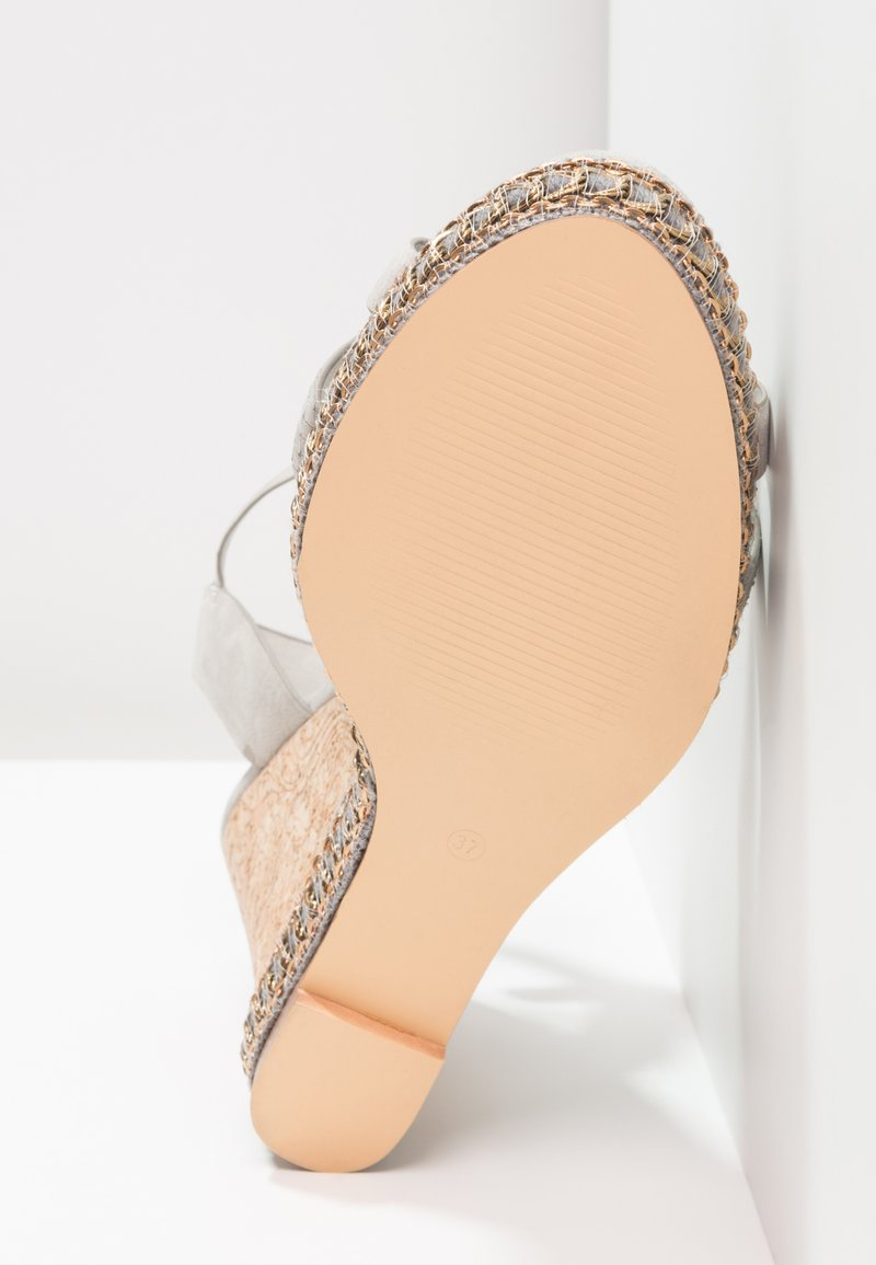Dna Bv Hauts À Grey Footwear Sandales Talons gv7IYbf6y