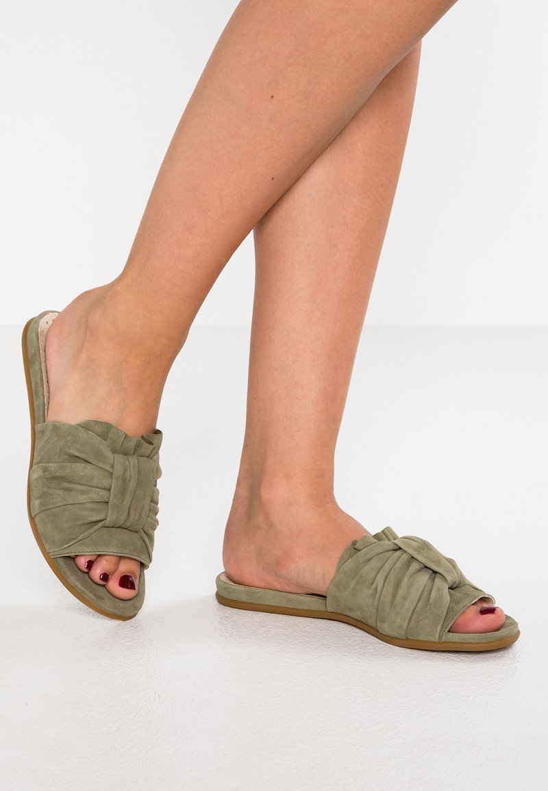 DNA Footwear BV - Mules - khaki
