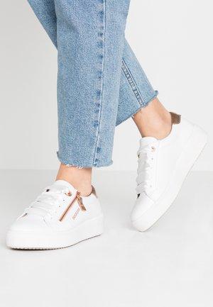 Sneakers laag - weiß/rose