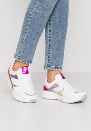 Trainers - weiß/rot