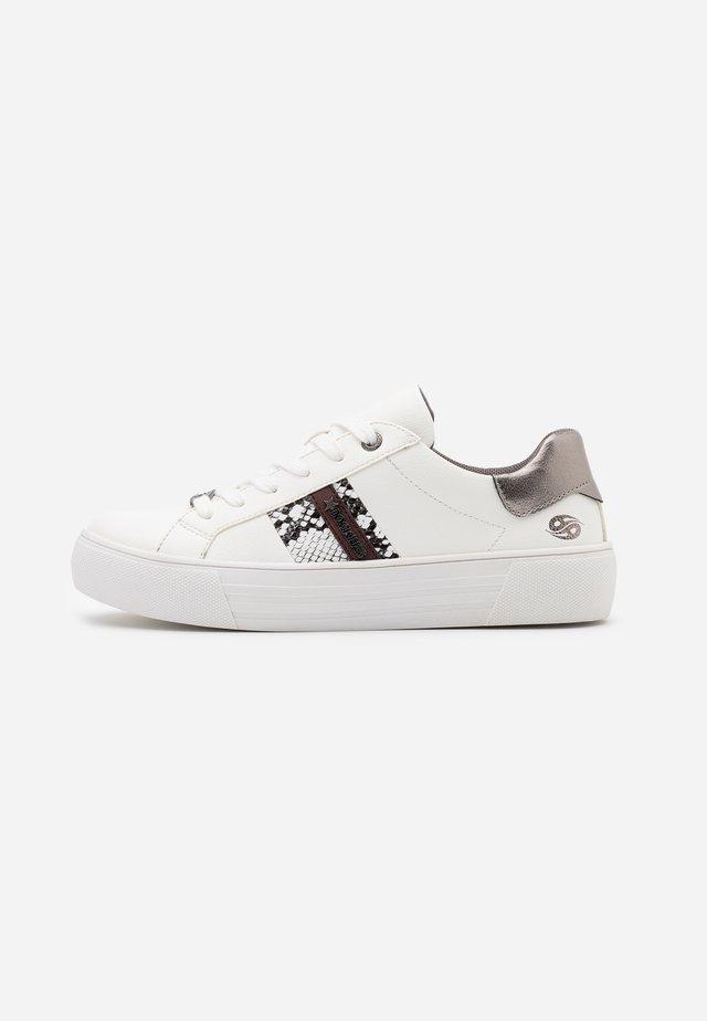 Sneakers laag - weiß/grau