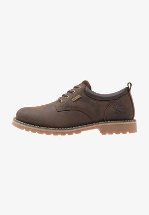 Chaussures à lacets - cafe