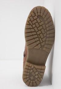 Dockers by Gerli - Cowboy/biker ankle boot - cognac - 4