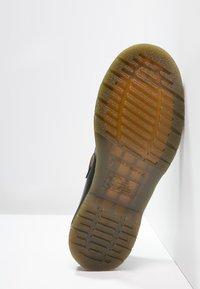 Dr. Martens - POLLEY - Nazouvací boty - black - 5