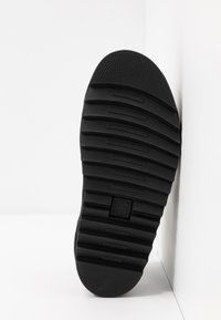 Dr. Martens - BLAIRE - Platform sandals - cherry red oxford - 4