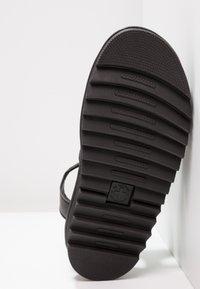 Dr. Martens - BLAIRE - Korkeakorkoiset sandaalit - black felix - 5