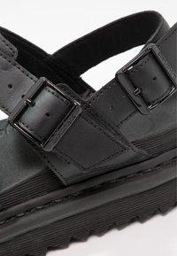 Dr. Martens - VOSS - Korkeakorkoiset sandaalit - black - 6