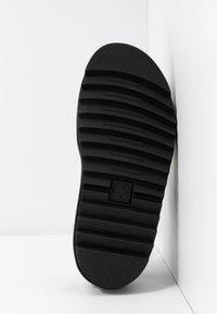 Dr. Martens - VOSS STUD - Platform sandals - white - 6