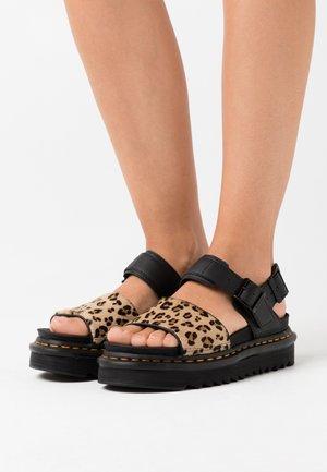 VOSS - Korkeakorkoiset sandaalit - brown
